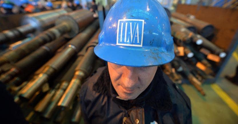 Accordo tra governo e sindacati sull'Ilva: cassa integrazione ridotta a 3.300 lavoratori