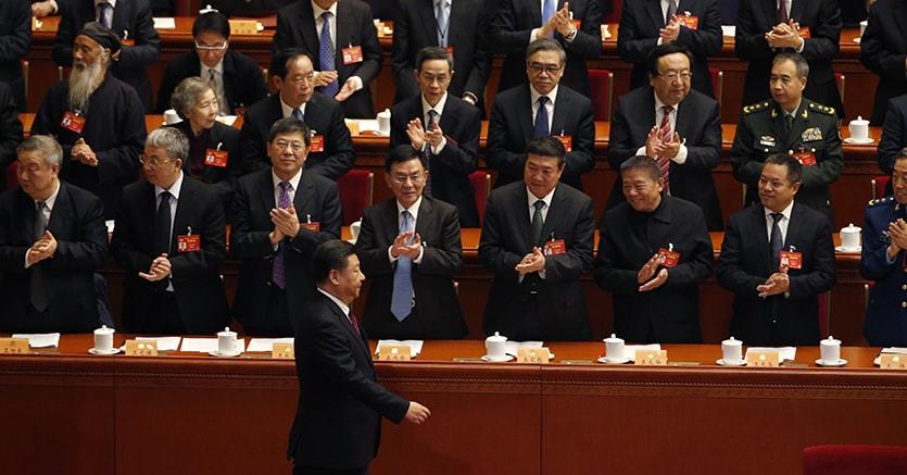 Xi jinping al test della plenaria del parlamento cinese for Formazione parlamento