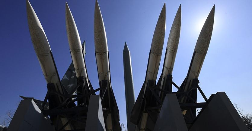 Corea del Nord, nuova provocazione di Kim Jong-un: lanciati quattro missili