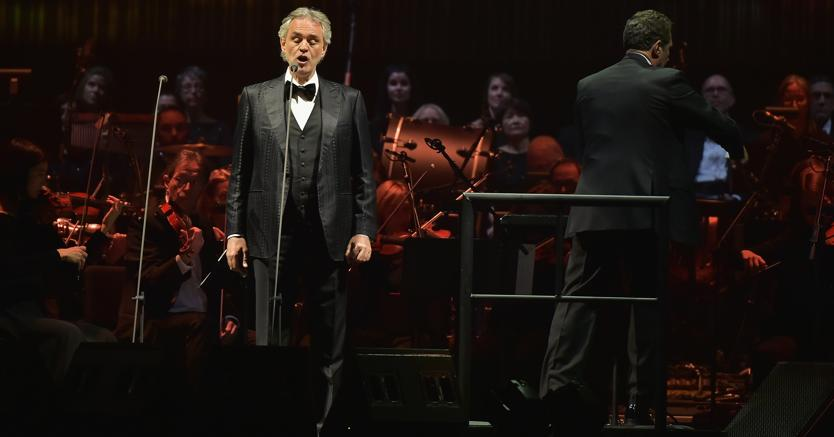 Andrea Bocelli al Madison Square Garden, 15 dicembre 2016, New York City. (Theo Wargo/Getty Images/AFP)