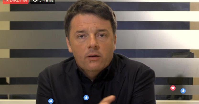 Matteo Renzi nel corso della diretta #Matteorisponde su Facebook (Ansa/Facebook)