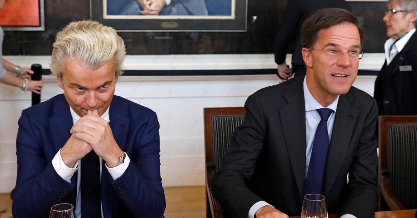 Geert Wilders, il leader del Partito della libertà (a sinistra) con il premier Mark Rutte, vincitore delle elezioni