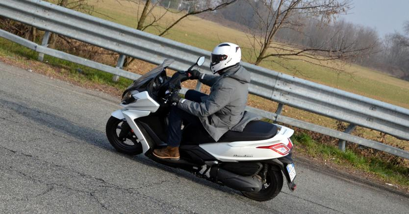 Un Mese In Sella Al Kymco Downtown 350i Abs Il Sole 24 Ore