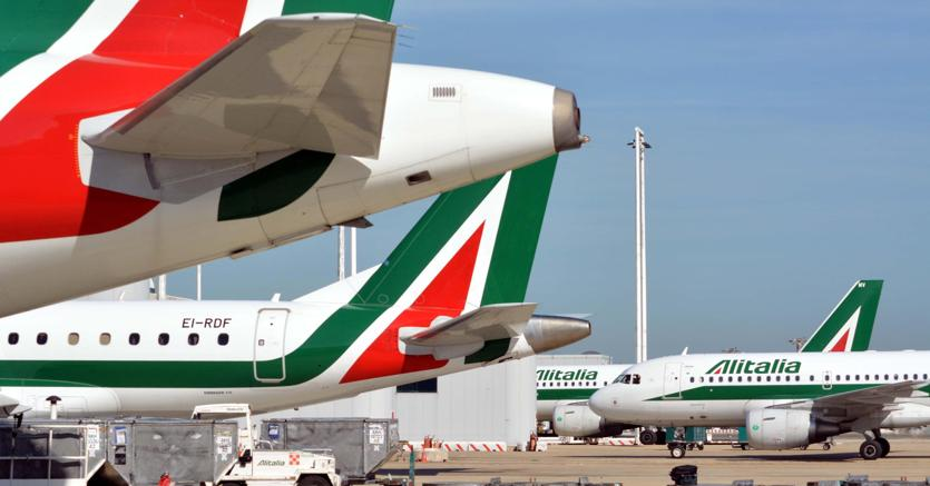 Alitalia, sciopero dei controllori il 20 marzo: cancellato il 40% dei voli