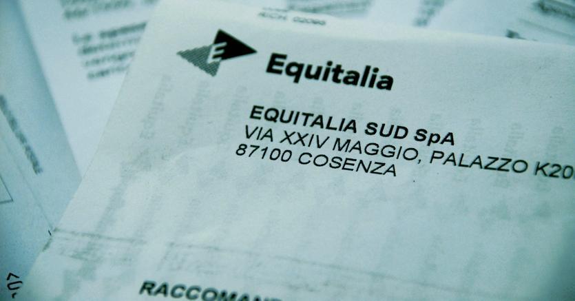 Rottamazione cartelle Equitalia: file agli sportelli e rimedi fai da te