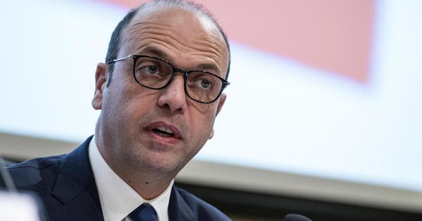 Addio Ncd, Alfano presenta il nuovo simbolo: nasce Alternativa Popolare