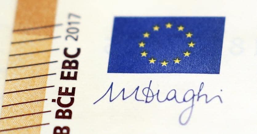Zona euro, Villeroy: non è tempo che Bce sospenda politica espansiva