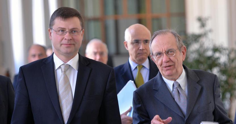 Manovra: Dombrovskis, impegno molto concreto Italia per correzione primavera