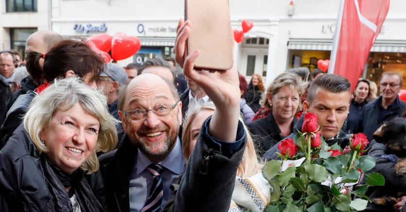 Germania al voto nella Saar, Merkel frena l'effetto Schulz