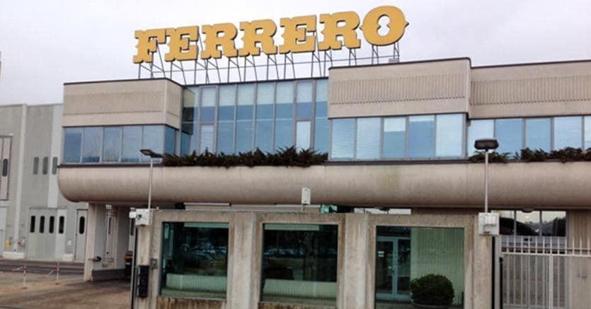 Ferrero fa shopping in America