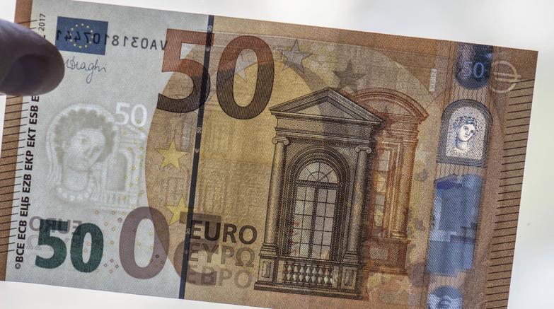 La nuova banconota da 50 euro emessa dalla Banca centrale europea (Ap)