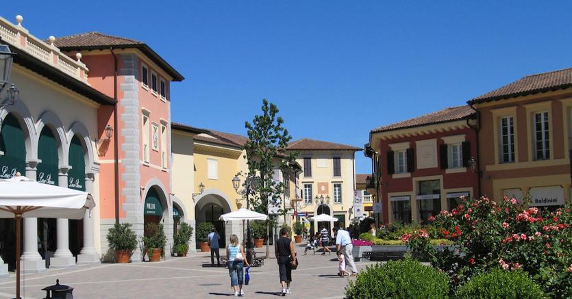 Outlet di Serravalle in sciopero a Pasqua