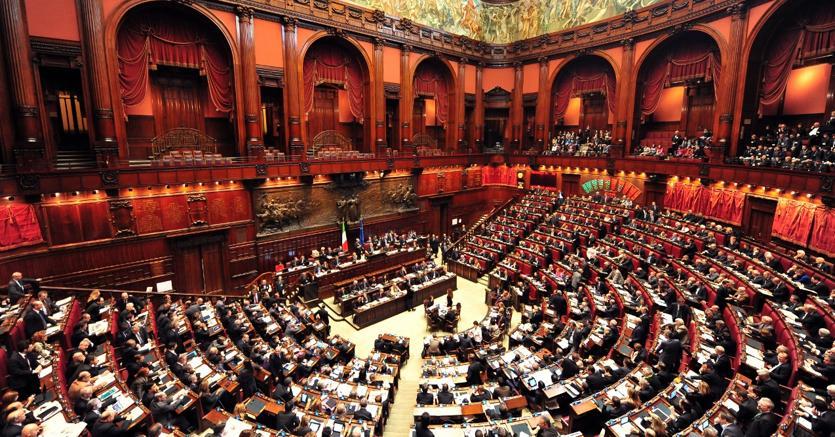 Un parlamentare su tre ha cambiato gruppo da inizio for Attuale legislatura