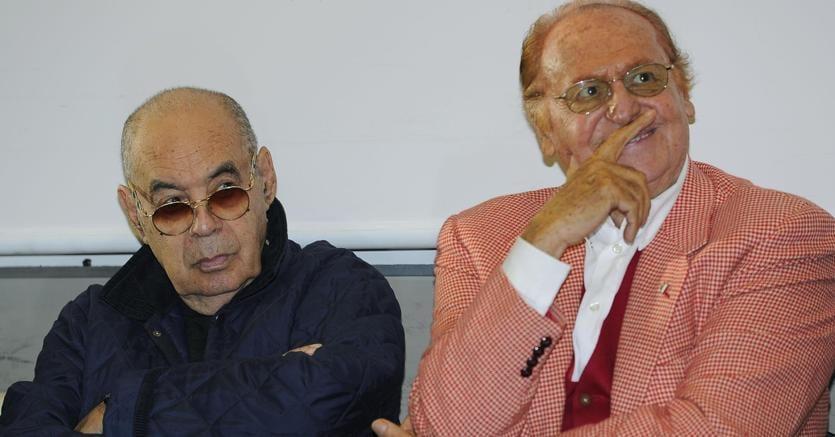 Gianni Boncompagni con Renzo Arbore, suo sodale di una vita (Ansa)