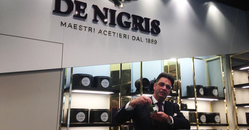 Armando de Nigris presso la Boutique del Balsamico