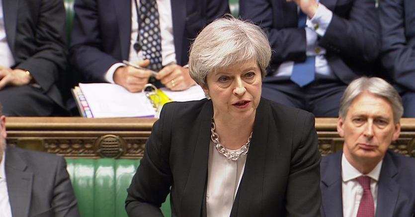 La premier Theresa May durante la seduta parlamentare