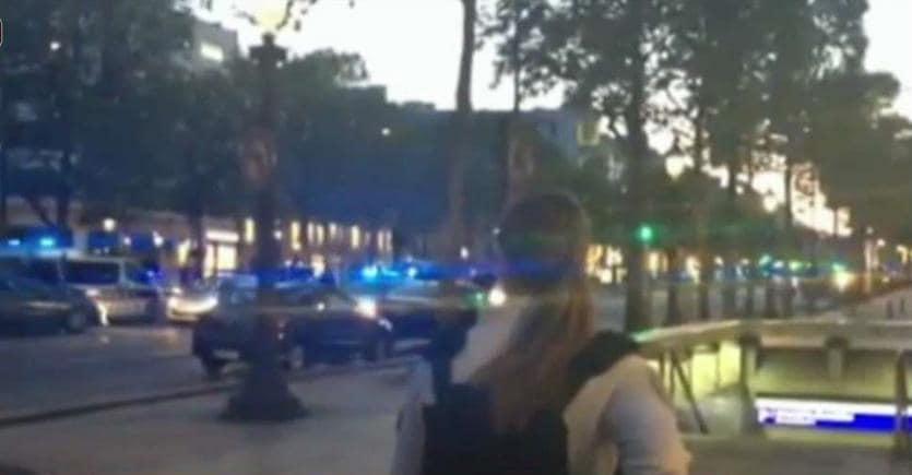 Francia, attentato a vigilia voto: poliziotto ucciso, 3 feriti