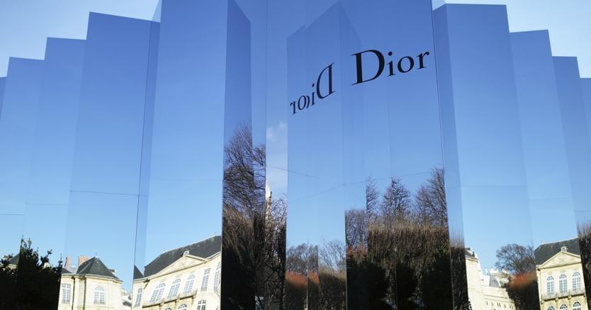 Arnault compra il 100% di Dior: terremoto nel mondo del lusso