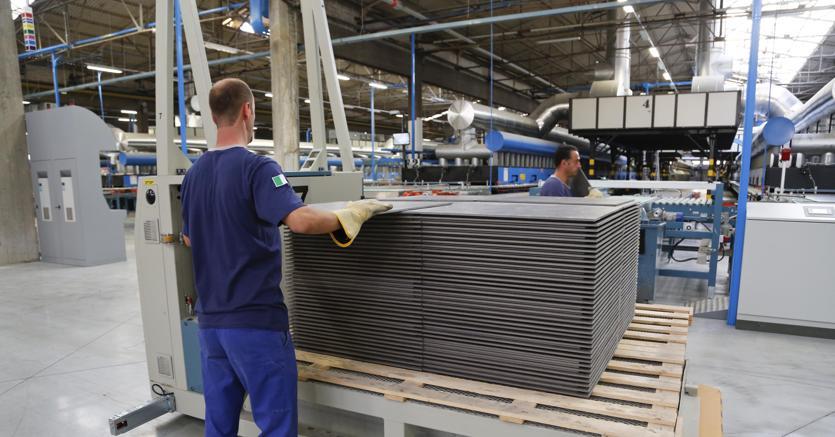Industria, Istat: a marzo produzione +0,4% mese, +2,8% anno