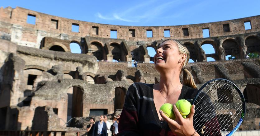 Sharapova si ritira per infortunio
