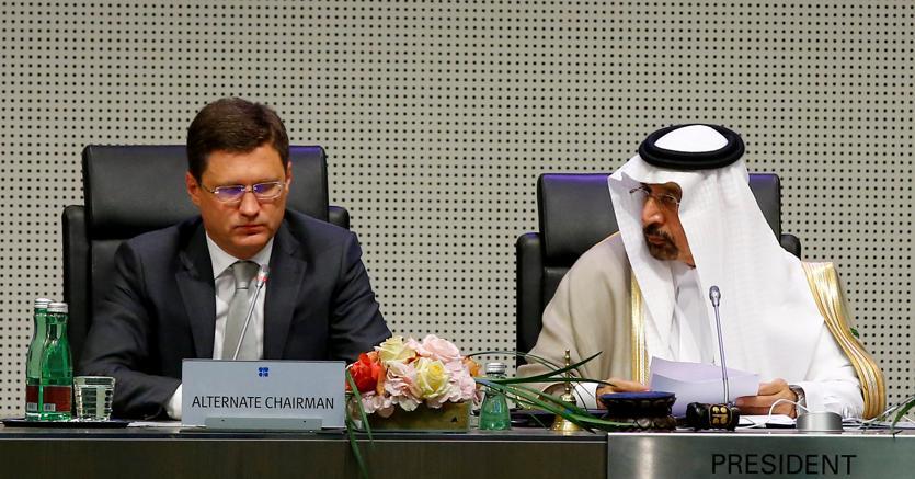 Speciale energia: Algeria sostiene prolungamento taglio di produzione di petrolio