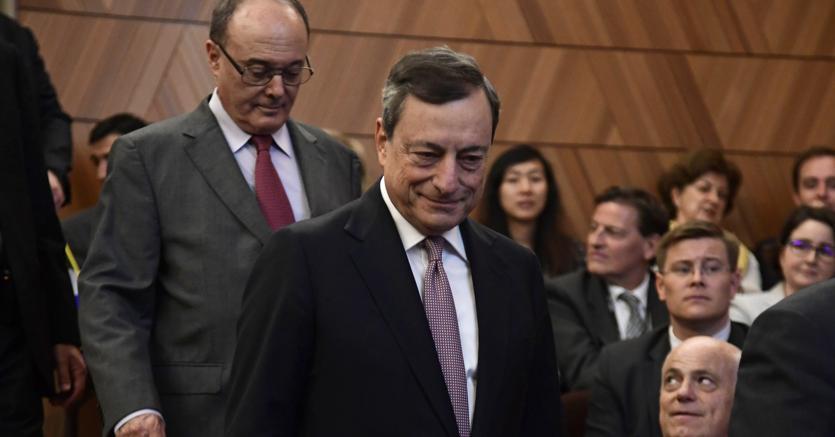 Draghi: ripresa più forte ma sostegno politica monetaria ancora necessario