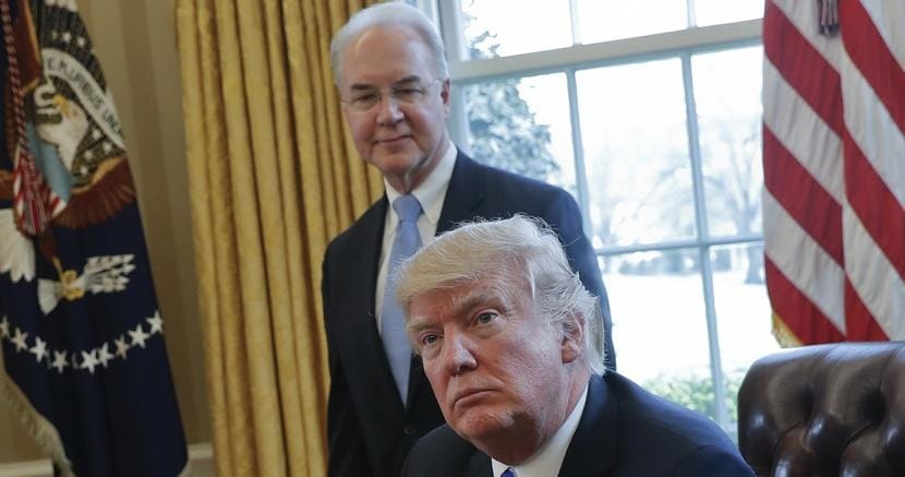 Trump telefona a May e rimanda la sua visita in Gran Bretagna