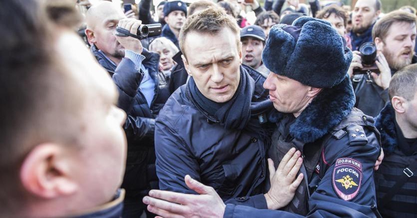 Russia, centinaia di arresti