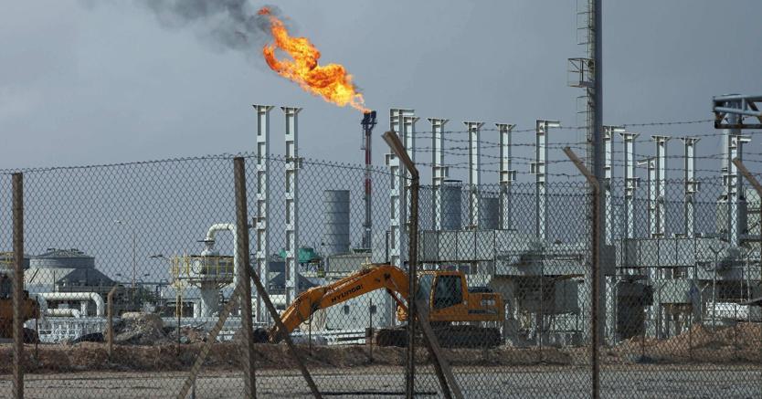 Petrolio in forte calo. L'EIA annuncia calo scorte sotto attese