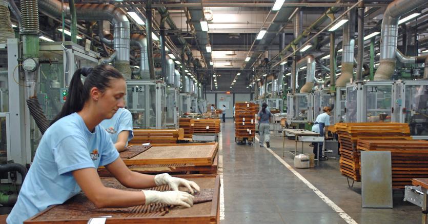 Dal 2008 al 2016 mezzo milione di italiani trasferiti all estero per lavoro il sole 24 ore - Cerco lavoro piastrellista all estero ...