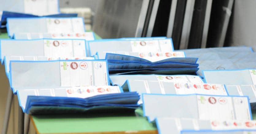 D-Day Genova: Crivello e Bucci stamane hanno votato, exit poll alle 23