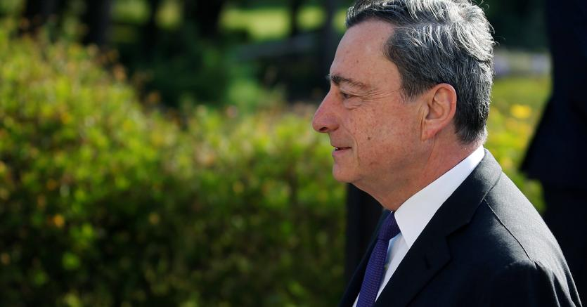 Draghi: economia Eurozona migliora, ma stimolo monetario robusto serve ancora