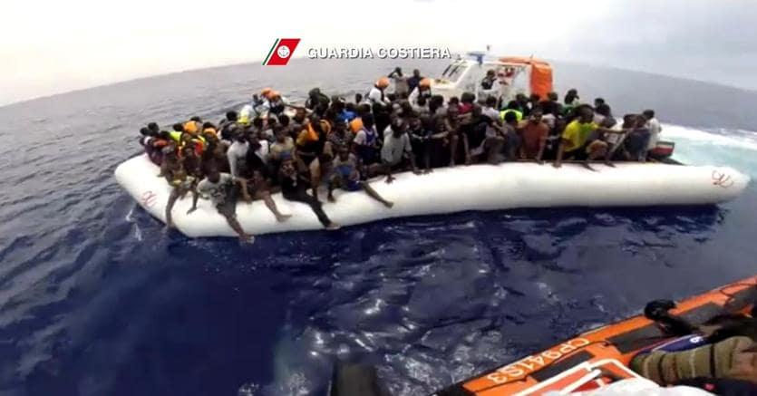 Blocco dei porti italiani contro le navi che sbarcano migranti