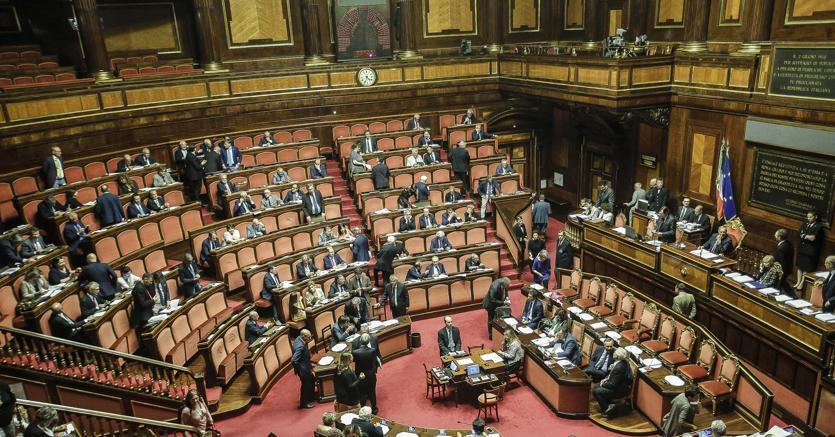 Senato grasso sospende l esame del codice antimafia il for Lavori senato oggi