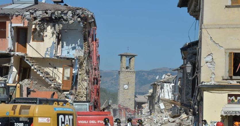 Corruzione in appalti per la ricostruzione post terremoto: 10 arresti