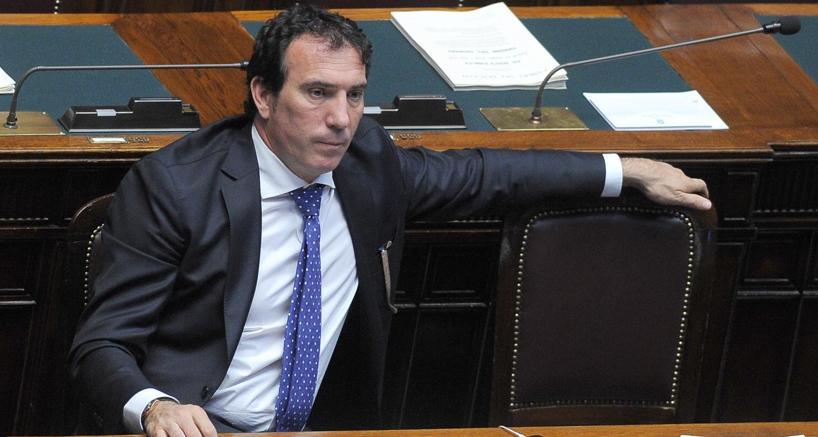Politica: Cassano si dimette da sottosegretario e torna a FI