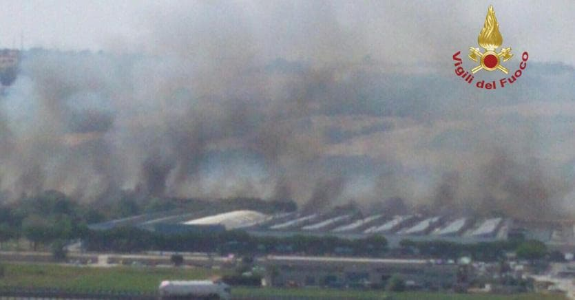 Incendio alla Fca di Termoli, evacuato lo stabilimento