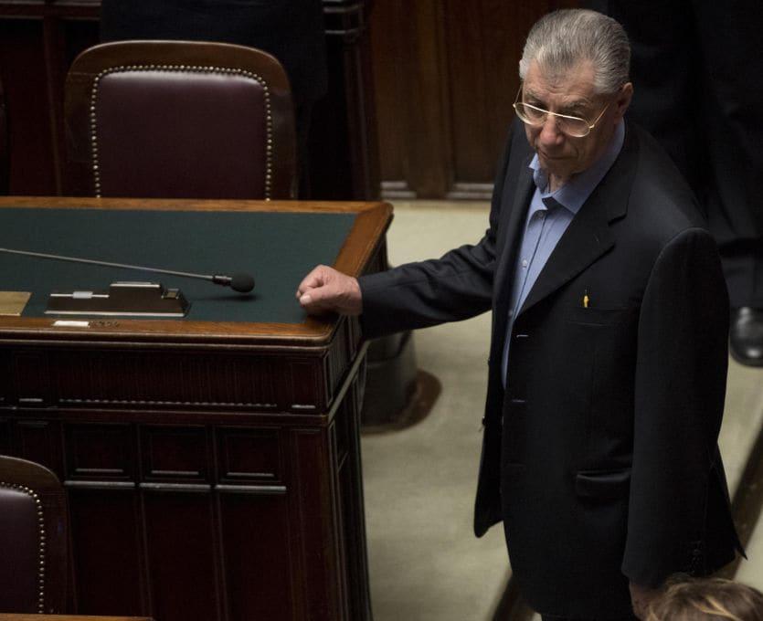 Tegola sulla Lega Nord: Bossi e Belsito condannati per truffa