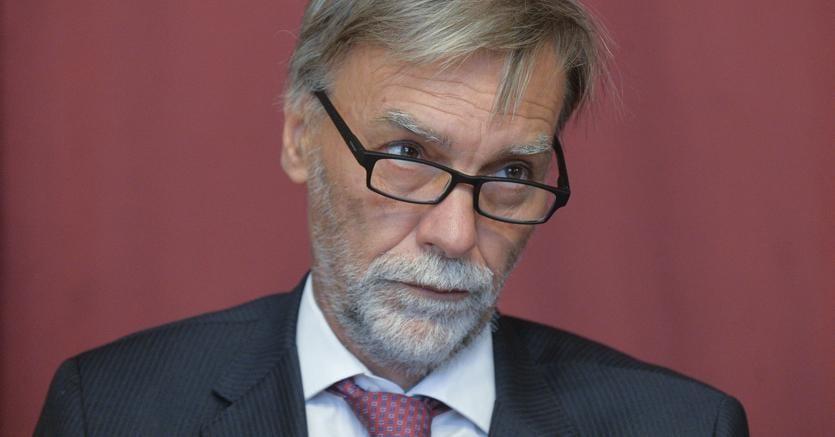 Il ministroi Graziano Delrio (Imagoeconomica)