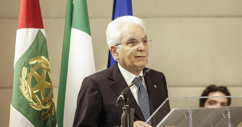 Migranti, Lega Lombarda contro Mattarella: