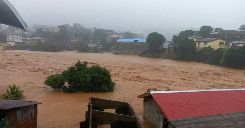 Ultim'ora: devastante alluvione in Sierra Leone, centinaia di morti