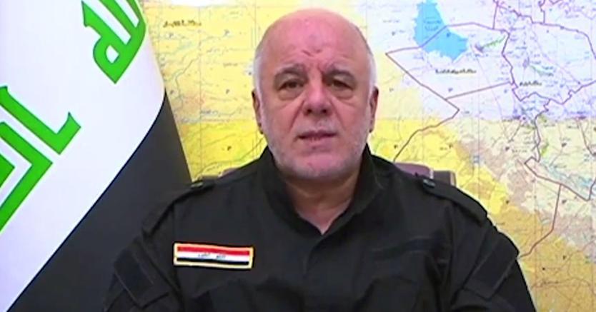 Il primo ministro iracheno Haider al-Abadi con gli abiti delle forze speciali annuncia l'avvio della battaglia per riconquistare Tal Afar