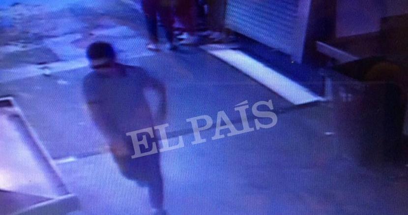 Le prime foto del terrorista in fuga (Reuters)