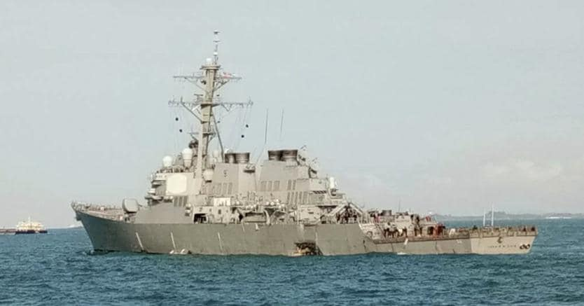 Singapore, collisione tra la USS John S. McCain e una nave cisterna
