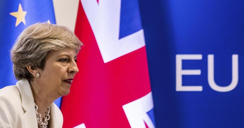 Brexit, Juncker: no negoziato con Gb prima di termini divorzio