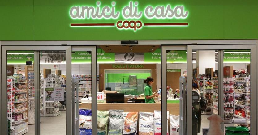 Negozio casa via montegrappa u cinisello balsamo with for Catena negozi arredamento casa