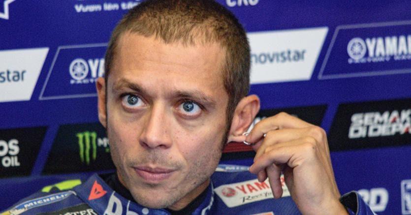 Valentino Rossi a Torrette, il primario: 'Ora almeno un mese di riposo'