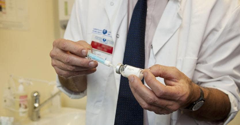 Basterà una autocertificazione dei vaccini obbligatori per iscrivere i figli a scuola