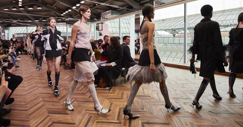 Galleria del Duomo.Un momento della sfilata della collezione Resort di Prada, che si è tenuta a Milano il 7 maggio, nel cosiddetto «salotto buono della città»