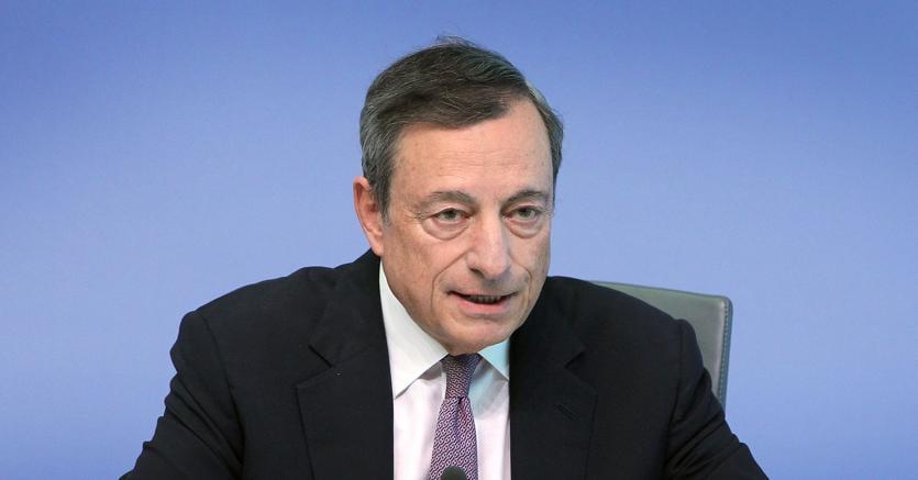 Le scelte della Bce, tassi al minimo e QE fino al 2018